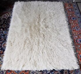 "large Flokati rug - 100% wool. Very good condition 44"" x 66"""