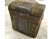 VINTAGE STYLE WOOD BRASS AND WICKER CHEST BOX, TRUNK, CLASP, JEWELLERY BOX
