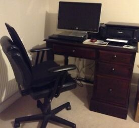 Computer desk plus HP monitor and keyboard plus leather chair