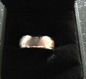 9ct White gold band/ring
