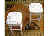 DINING / LIVING / SHABBY CHIC SOLID WOOD CREAM PAIR OF KITCHEN BAR STOOLS