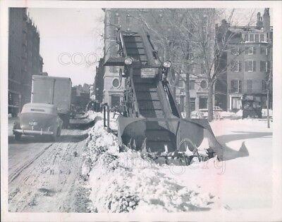 1946 Press Photo Snow Loader Machine Corner of Charles & Beacon 1940s Boston MA for sale  Shipping to Nigeria