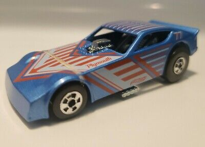 HOT WHEELS FLYING CUSTOMS BLUE 77 PLYMOUTH ARROW FUNNY CAR BLACKWALLS MINT MOPAR
