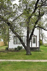 305 First Street, Lang - Quaint country living!