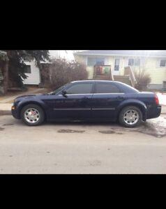 2005 Chrysler 300 $2200