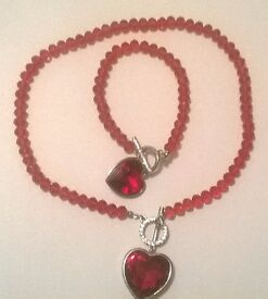 Red Glass, White Austrian Crystal Heart Bracelet (Size 8) and Necklace (Size 18) in Silver Tone