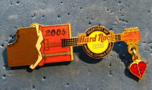 Hard Rock Cafe *OSAKA U.C.W* CHOCOLATE BAR VALS DAY HEART DANGLE GUITAR PIN LE