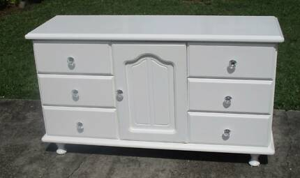 REFURBISHED CHEST OF 6 DRAWERS LOW BOY . IN GLOSS WHITE