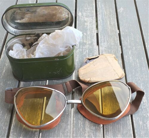 Italian Royal Army WWII googles with metallic case original complete