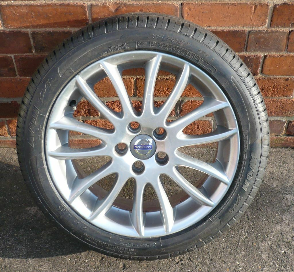 volvo v50 ford focus alloy wheel and brand new 205 50 r17 tyre 125 ono in newark. Black Bedroom Furniture Sets. Home Design Ideas