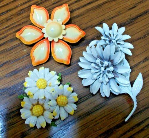 LOT OF 3 PRETTY FLORAL ENAMELED METAL FLOWERS~VINTAGE 60S/70s~BROOCH PINS~
