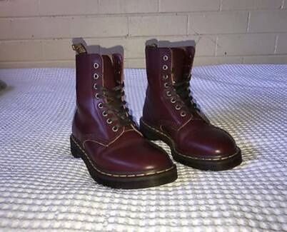 Doc Martens NEW size 6