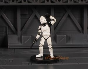 WOTC Star Wars Miniature Minis Universe Republic Clone Trooper Grenadier K393