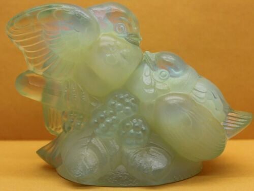 """SABINO FRANCE Opalescent Signed Art Glass, Two Birds On A Berry Branch 4"""" x 5"""""""