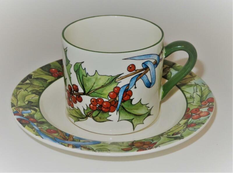 Gien LE HOUX, Holly & Berries, Blue Ribbon, 1988-2005, Flat Cup & Saucer Set