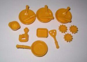 New Lego Friends Kitchen Utensils Set Bright Light Orange (17 Pieces) Skillet