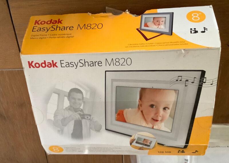 Kodak EasyShare M820. Digital frame with Home Decor kit.
