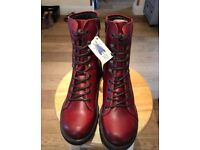 London fly boots - brand new size 40