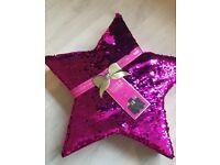 Baylis and Harding glam gift set