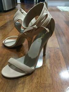 Verali Nude Heels size 7 Oxley Vale Tamworth City Preview