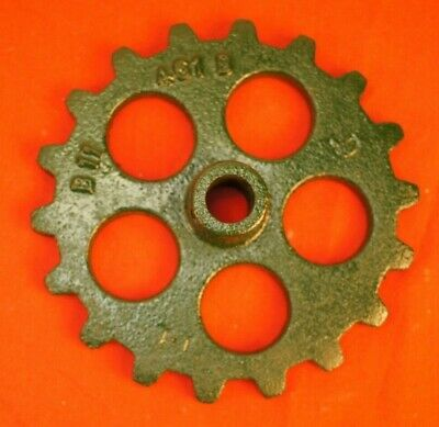 Flat Iron Planters (John Deere 71  Planter Cast Iron Planter Flat Chain Sprocket 18 Tooth B11461B)