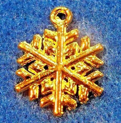 50Pcs. WHOLESALE Tibetan Gold-Plated SNOWFLAKE Charms Pendants Ear Drops Q0582