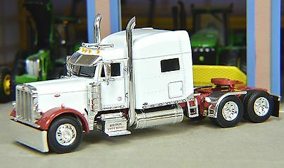 1/64 DCP WHITE/RED 379 PETERBILT