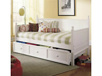 Pottery Barn Trundle Day Bed with two mattresses, like ikea hemnes