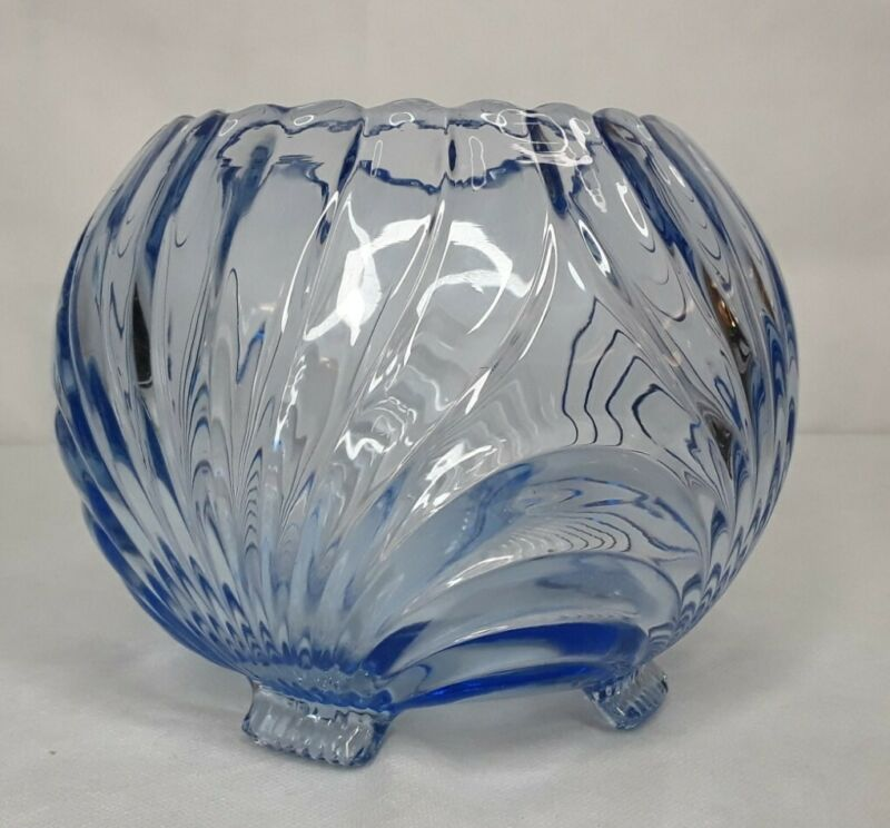 Vintage CAMBRIDGE GLASS CAPRICE PATTERN MOONLIGHT BLUE FOOTED ROSE BOWL