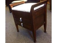 Piano cabinet stool