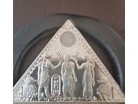 TUTANKHAMUN SAND COIN - THE WORLDS FIRST PYRAMID COIN