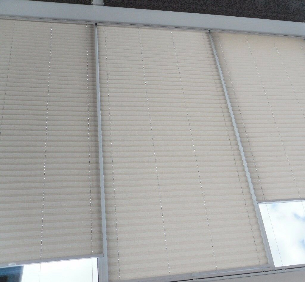 5 Pleated Window or Roof Blinds – £30 each