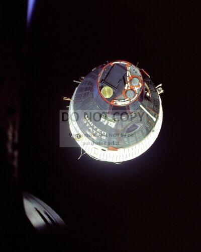 GEMINI 7 AS SEEN FROM GEMINI 6 IN DECEMBER, 1965 - 8X10 NASA PHOTO (AA-180)