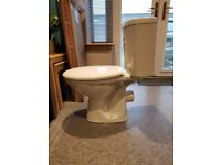 CLOSE COUPLED CERAMIC TOILET as new