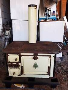 Crown Caste Iron wood fired oven / stove Ferny Hills Brisbane North West Preview