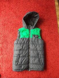 Boys girls body warmer jacket. Age 12 - 13 hooded