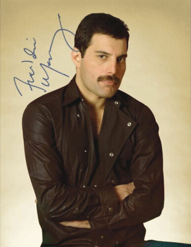 Rock Band QUEEN Beautiful Freddie Mercury Signed 8x10 Photo - Very Nice!