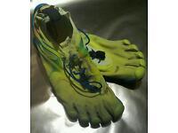 Vibram FiveFingers Bikila running shoes size 9