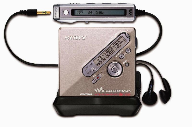 Brand New SONY MZ-NF810 MINIDISC Player Recorder, Complete Kit W Original Box +