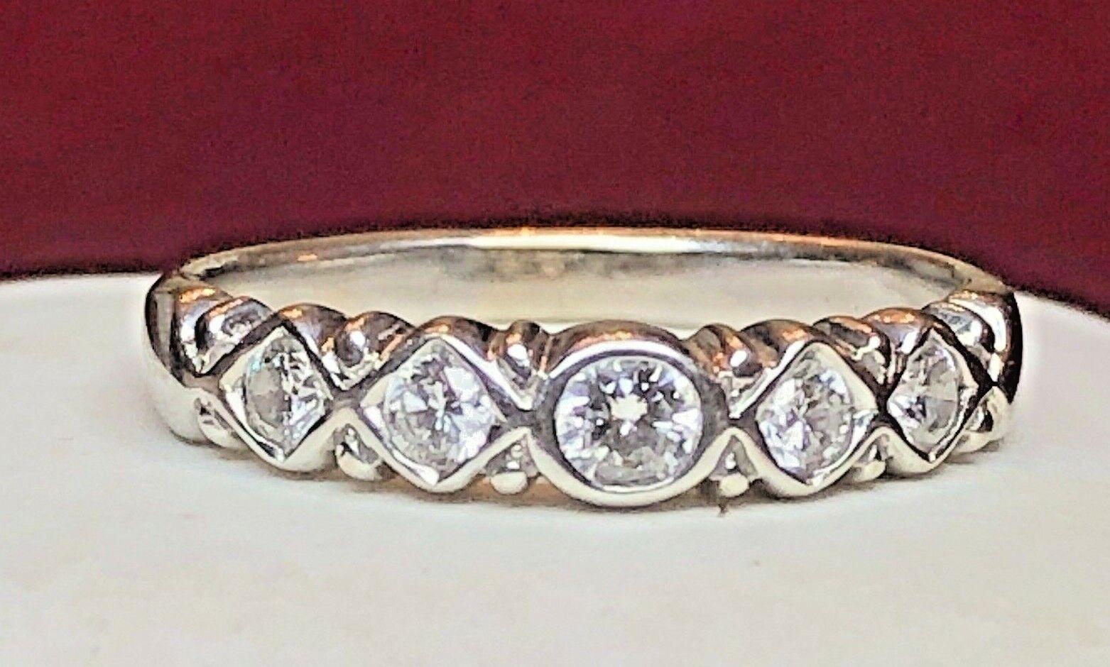 VINTAGE ESTATE 18K WHITE GOLD  RING BAND DIAMOND  SCRAPE?  ETERNITY WEDDING BAND
