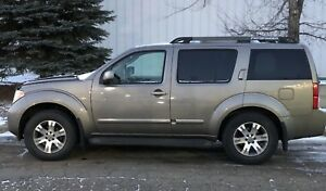 2007 Nissan Pathfinder SE with winter tires