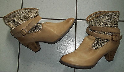 IBIZA STIEFEL Stiefeletten Gr. 40 Boots Damen Beige CREME Schnallen SPITZE weit gebraucht kaufen  Halle