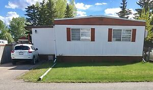 Super Clean, Well maintained double wide mobile home.