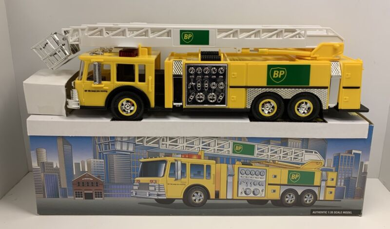 BP Yellow Aerial Tower Fire Truck With Lights & Sounds 1:35 Scale 1999 NOS