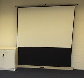 Portable Floor Projector Screens (2000mm)