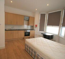 Double studio flat in Queen's Park including bills