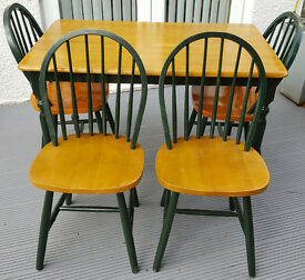 Country Style Kitchen Table and 4 Spindle Back Chairs