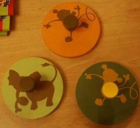 Vertbaudet 3 x Childs/Childrens Circular Clothes/Coat Peg/Hook Monkey/Elephant Safari image