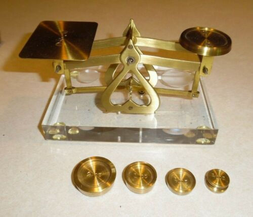 Vintage Letter Balance No. 147 Made in England Lucite Base Boxed