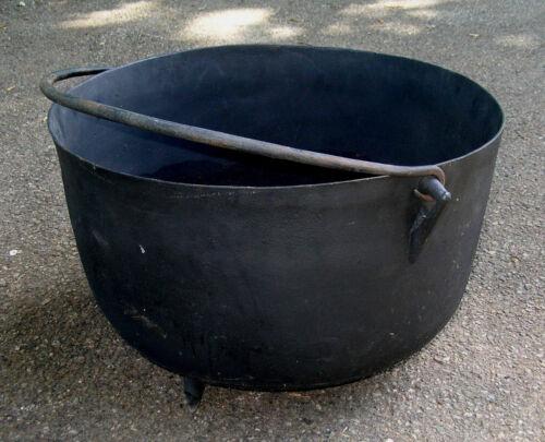 """VINTAGE  XL  BLACK  CAST  IRON  KETTLE  CAULDRON  HEARTH  FIREPIT  POT  23"""" DIAM"""
